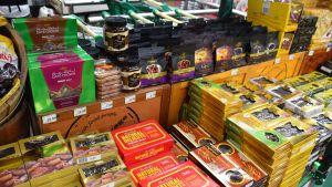 Avdelning med endast dadlar i en malaysisk butik inför ramadan.