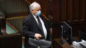 PiS:s och hela Polens starke man Jarosław Kaczyński under parlamentsdebatten på onsdagen.
