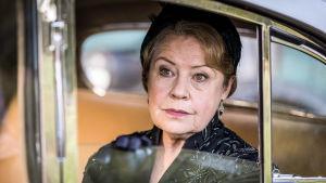 Kotiin takaisin -sarjassa näyttelee Noni Hazlehurst.