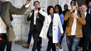 Socialisten Anne Hidalgo fick behålla sin post som borgmästare i Paris.