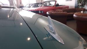 Emblem på en Chevrolet Biscayne årsmodell 1960.