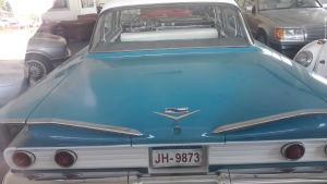 Chevrolet Biscayne i en bilaffär i Karleby.