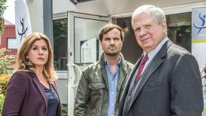 Wiesbadenin karismaattinen syyttäjä Bernd Reuther tutkii jälleen uusia juttuja.
