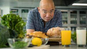 Lääkäri Giles Yeo testaa vegaanista ruokavaliota.