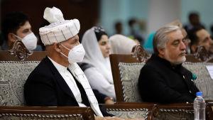 President Ashraf Ghani och regeringens chefsförhandlare Abdullah Abdullah deltog också i Loya Jirga i Kabul.