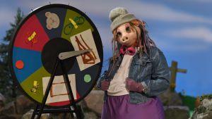 Isa Gris storasyster Lisen och ett lyckohjul