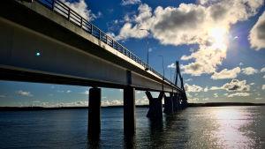 Raippaluodon silta Merenkurkussa