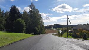 Täktervägen med ny asfalt.