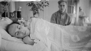 Göran Schildt på Kuusankoski krigssjukhus 1940.