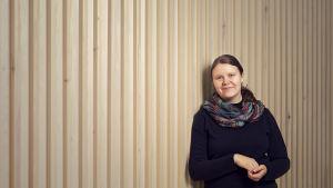 Kuvassa on tutkija Minna Uitto Oulun yliopistosta