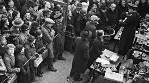 Juutalaisilta viety omaisuus myytiin eteenpäin huutokaupoissa.