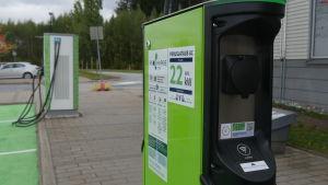 Sähköautojen latauspiste ABC Viipurinportti Lappeenranta. Peruslataus AC 22 kW.
