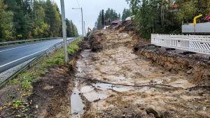 Byggandet av gång- och cykelväg i Sibbo.