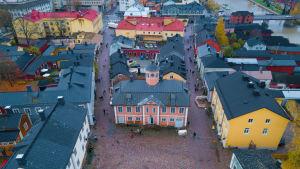 Flygbild över Gamla rådhuset i Borgå