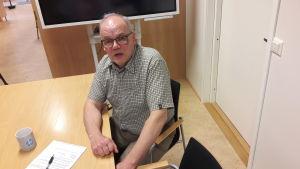 Vd Tommy Sjöholm i Oy Abilita Ab:s konferensrum.