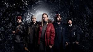 Kuvassa: Said (Ardalan Esmaili), Lars Ruud (Aksel Hennie), Helen (Vera Vitali), Magnus (Mattias Nordkvist) & Atte (Eero Milonoff).