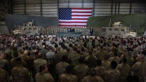 USA:s president Donald Trump talar till amerikanska soldater på plats i Afghanistan i november 2019.