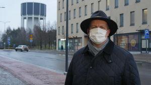 Vd Jami Holtari på företagarföreningen i Södra Karelen.