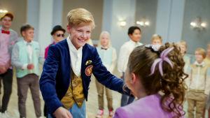 Lasten tasavallan presidentit tanssivat.