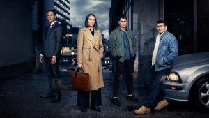 Top Dog -sarjan näyttelijät ohjelmakuvassa.