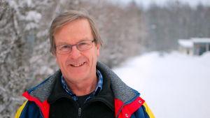 Hans Hästbacka är biolog med livslångt intresse för flora och fauna.