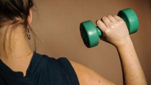 Aikuisen tulisi liikkua reippaasti 2,5 tuntia joka viikko.