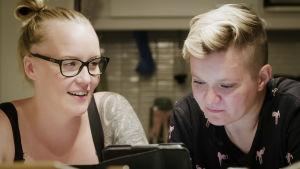 Unelma Lapista -sarjan Minna ja Pernilla
