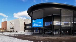 Koronarokotukset on keskitetty Turun Messukeskukseen.