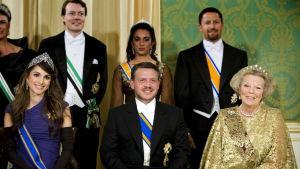 Prins Hamzah bin Hussein (uppe till höger) misstänks för kupplaner mot sin halvbror kung Abdullah. Bilden är från ett statsbesök i Nederländerna år 2006.