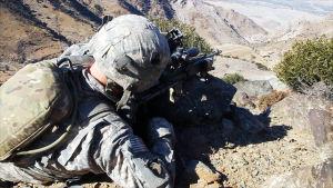 USA invaderade Afghanistan år 2001, efter terrorattackerna den 11 september. Bilden är från filmen No Greater Love.