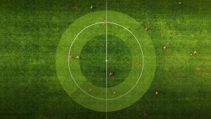 Flygbild på fotbollsplan.
