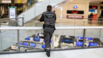 Säkerhetsvakt i köpcenter