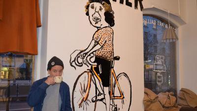 Han fick forsta cykeln innan foddes