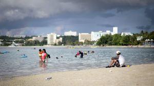 Strand på ön Guam