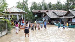 Stormen Tembin orsakade förödelse på Filippinerna.