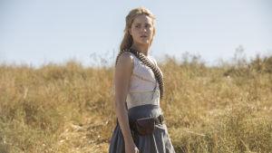 Evan Rachel Wood som androiden/värden Dolores Abernathy i serien Westworld.