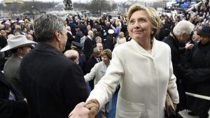 Hillary Clinton vid installationen av Donald Trump som USA:s nya president