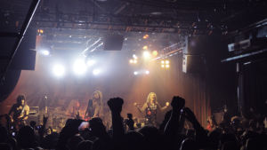 Steel Panther uppträder i Nosturi i Helsingfors