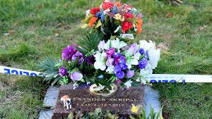 Alexander Skripals grav har också spärrats av.