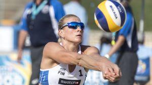 Riikka Lehtonen ångar på i EM tillsammans med Niina Ahtiainen.