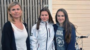 Maria Lindberg, Vanessa Lindberg, Antonia Holmberg.