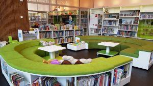 Månsas bibliotek.