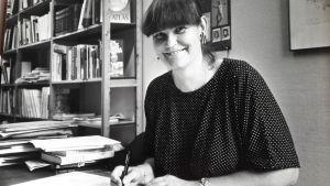 Toimittaja Tuva Korsström uudessa työssään Hufvudstadsbladetissa 1986.