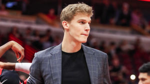 Fel speldress Lauri Markkanen!