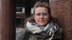 Personporträtt på Ida Haapmäki, projektledare vid Finlands svenska Marthaförbund.