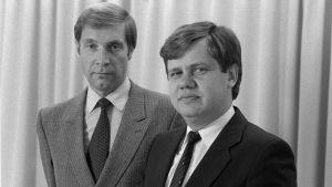 Pär Stenbäck & Christoffer Taxell poserar tillsammans i slutet av 70-talet.