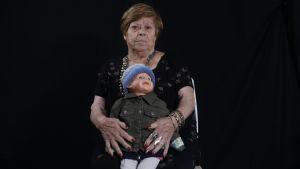 Malka Zaken, 91, överlevde koncentrationslägret Auschwitz-Birkenau, men nazisterna dödade hennes mor.