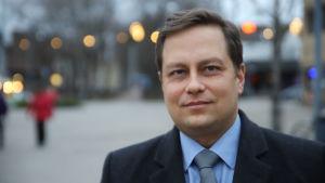 Profilbild på Vilhelm Junnila.