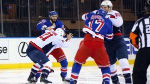 Slagsmål i matchen mellan Rangers och Capitals.
