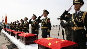Kvarlevorna av 36 kinesiska soldater som stupade i Koreakriget (1950-1953) återbördades i våras från Sydkorea till Kina